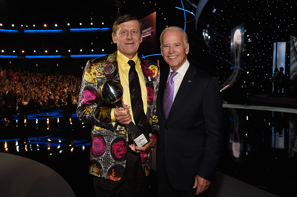LOS ANGELES, CA - JULY 13: Craig Sager, winner of the Jimmy V Perseverance Award and Vice President of the United States Joe Biden at the 2016 ESPYS at Microsoft Theater on July 13, 2016 in Los Angeles, California. (Photo by Kevin Mazur/Getty Images)
